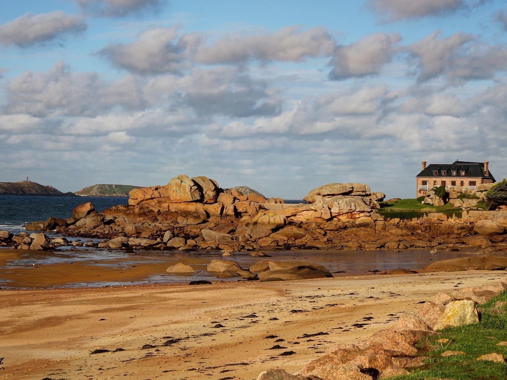 Une des 12 plages de Tregaste
